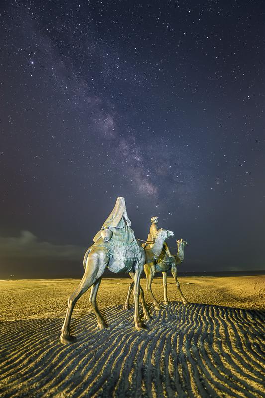 月の砂漠と天の川B.jpg