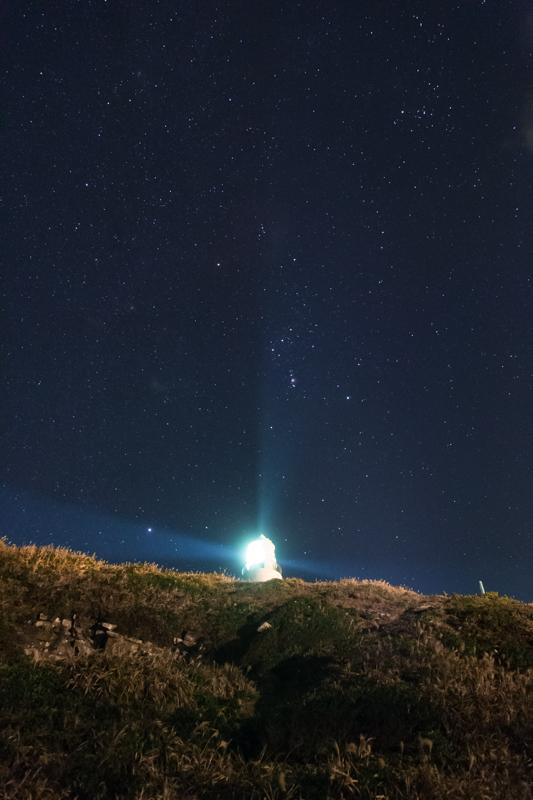 オリオンを照らす灯台B.jpg