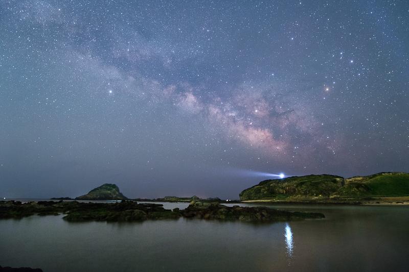 入り江に昇る夏の天の川ALLB.jpg
