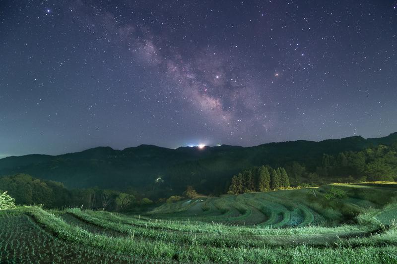 千枚田と天の川B.jpg