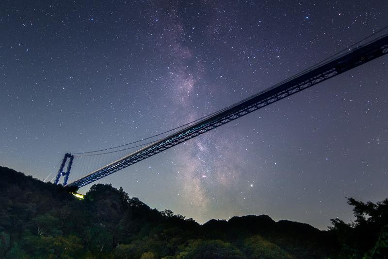 天の川を横切る竜神大吊橋B.jpg