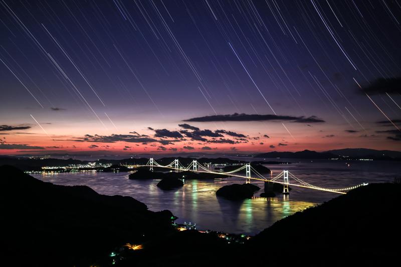 来島海峡大橋と星々の軌跡B.jpg
