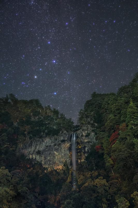 那智の滝と満天の星空B.jpg