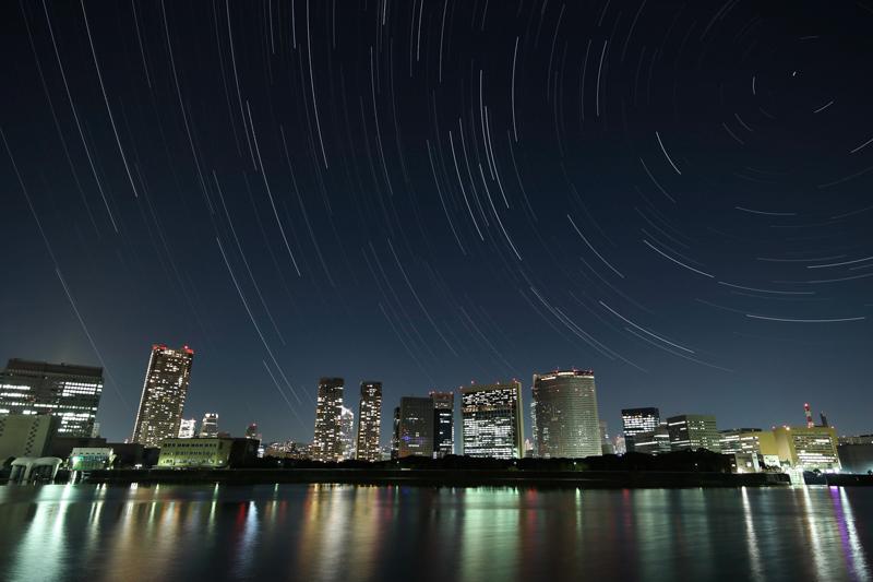 都会の星とオーロラ.jpg