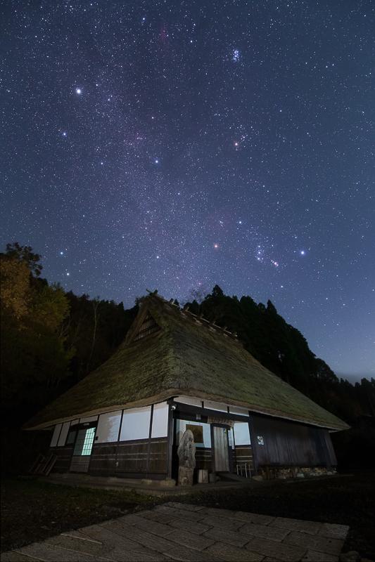 里山に昇る冬の天の川B.jpg