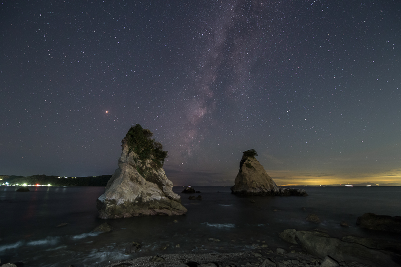 雀島に沈む天の川B.jpg