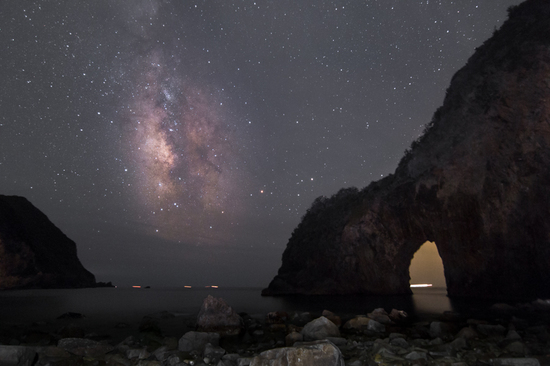 千貫門と夏の銀河B.jpg